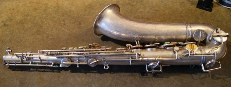 1945 Buescher Big B tenor before restoration